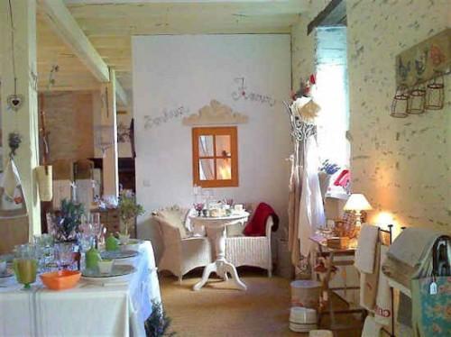 murs de boutique vendre rochefort en terre morbihan. Black Bedroom Furniture Sets. Home Design Ideas