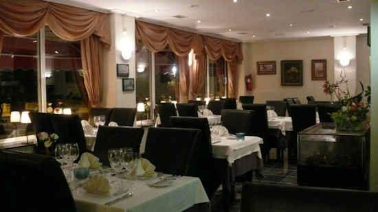gourm-restaurant-4