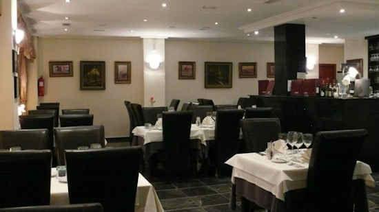 gourm-restaurant-3