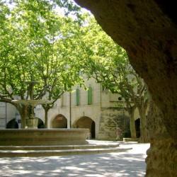 Restaurant à vendre Uzès (Gard), place aux Herbes