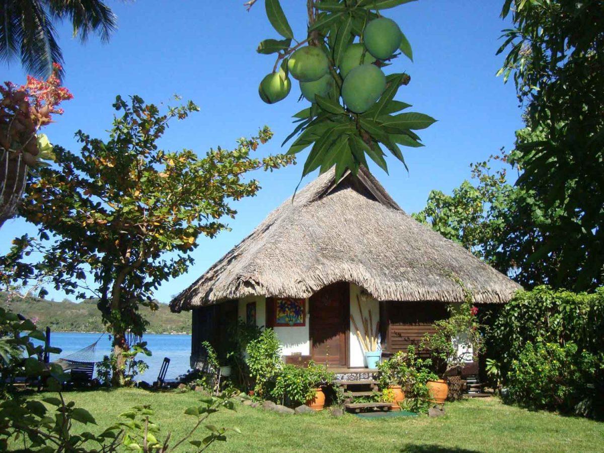 Commerce à vendre en Polynésie Française : Propriété touristique à Bora Bora (Bungalows en bord de mer)